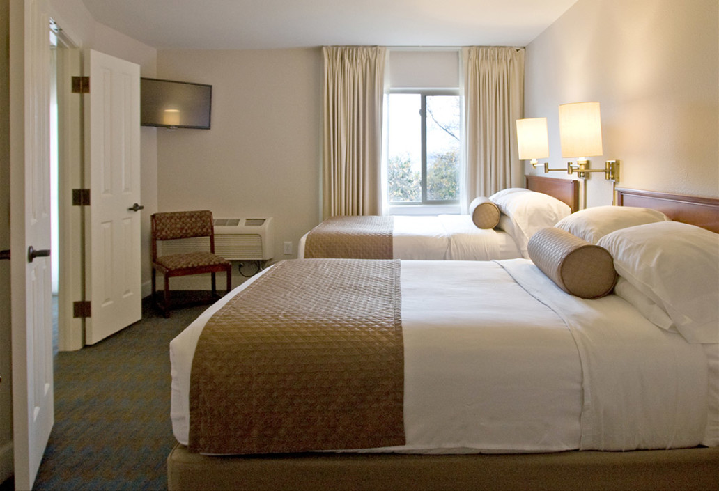 Guest Rooms Ashland Hills Hotel And Suites